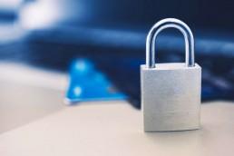 Passwordless experience to już nasza teraźniejszość - dzięki biometrii i FIDO pojawia się w uslugach płatniczych na całym świecie.