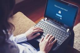 Standard FIDO w połączeniu z biometrycznymi metodami autentykacji, to najlepsze zabezpieczenie, jakie można dziś zastosować do usług online.