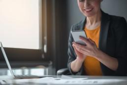 [:pl]Zgodnie z finalnym RTS do dyrektywy PSD2, SMS nie będzie mógł służyć jako faktor uwierzytelniania w procesie SCA (Strong Customer Authentication)[:]